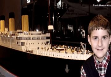 Autistický chlapec postavil z Lega vernú kópiu Titanicu. Teraz jeho dielo cestuje po svete a neskôr bude vystavené v múzeu