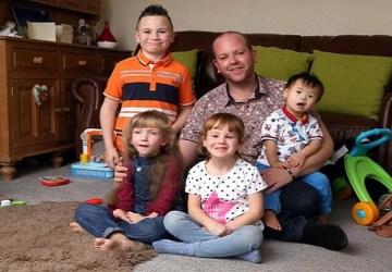 Slobodný otecko je skutočne veľkou inšpiráciou. Osvojil 4 deti s postihnutím a chce viac