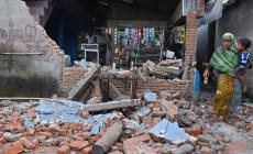 Zemetrasenie na indonézskom ostrove Lombok si vyžiadalo viac ako 140 obetí