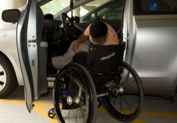 Auto môžu riadiť aj ľudia s chýbajúcou končatinou alebo ochrnutou časťou tela