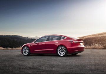 Elon Musk splnil to, čo sľúbil – Tesla v cene Octavie. Autá si najnovšie objednávate cez internet