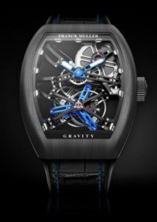 Reloj Franck Muller en color negro con detalles en azul y caja cuadrada con el dial en forma esqueletizada