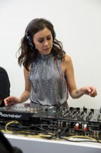 """DJ de frente en el evento de Longines por el estreno de """"Back to the future of Quartz"""""""