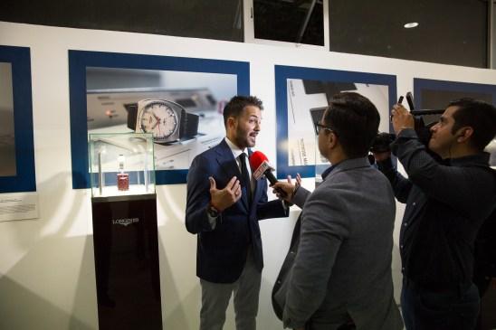 """Reporteros entrevistando en evento Longines por estreno de """"Back to the future of Quartz"""""""