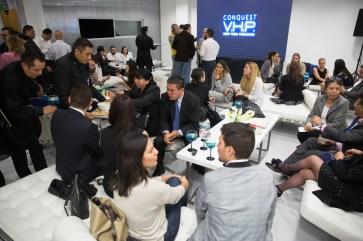 """Reporteros esperando en evento Longines por estreno de """"Back to the future of Quartz"""""""