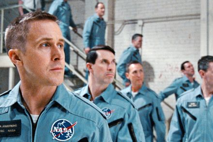 "Ryan Gosling con uniforme de la NASA en ""First Man"""