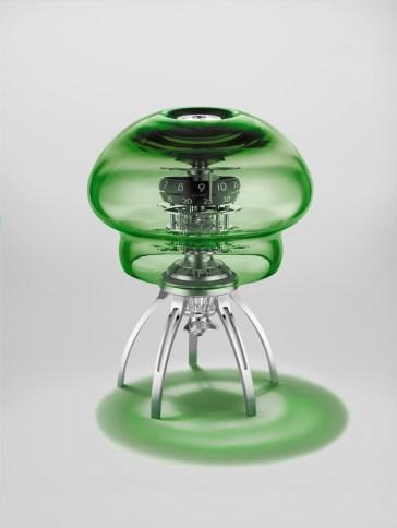 -Reloj medusa en color verde con detalles en color plateado