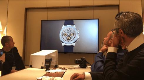 Personas sentadas en la junta Rolex