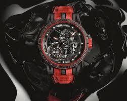 Reloj en color rojo con gris y detalles blancos