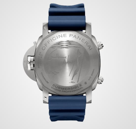 Reloj con correas azules y caratula en color plateado