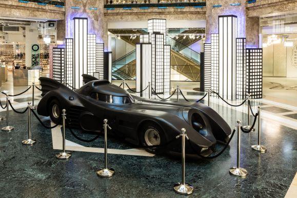 Automóvil en color negro de batman