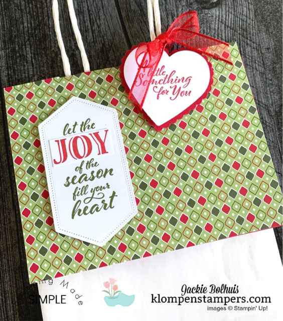 You 'top' your no peek gift bag with a regular greeting card in 'landscape' mode and decorate however you like.