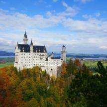 Zamek Neuschwanstein (druga najczęściej odwiedzana atrakcja turystyczna w Europie, zaraz po Wieży Eiffla)