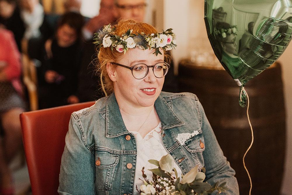 Braut bei der Hochzeit im Rathaus Arnis
