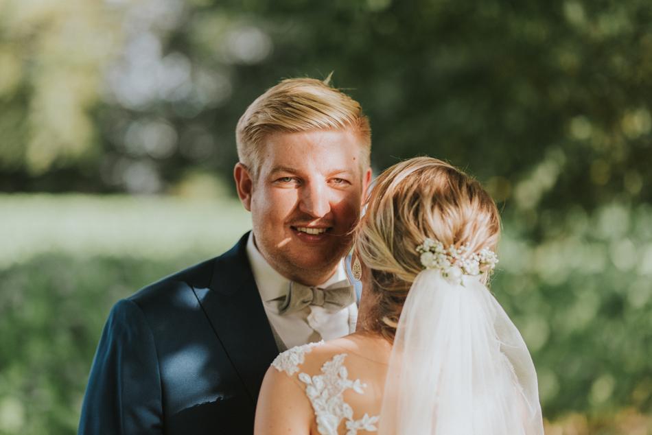 Hochzeitsfotografie Brautpaarfotos Freie Trauung im Wittkielhof Hochzeitsfotografie und Hochzeitsreportagen Conni Klueter