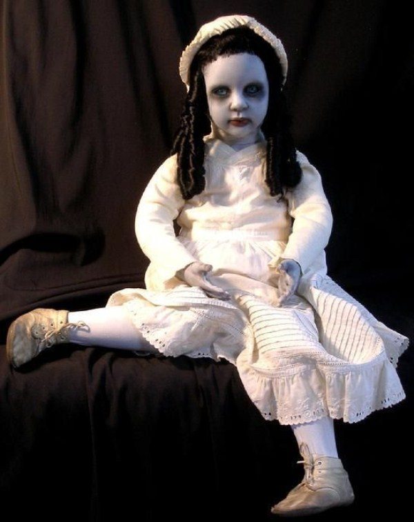 These Dolls Came Straight From Hell 41 Photos Klyker Com