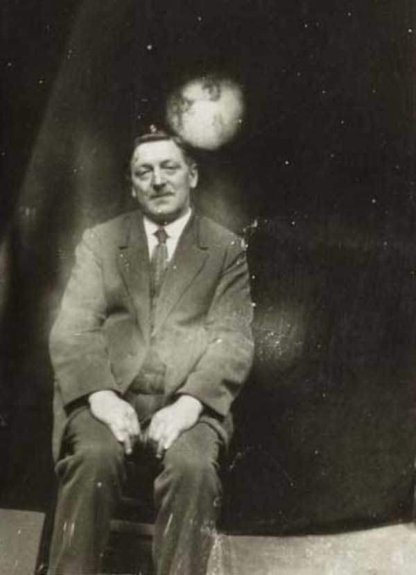 creepy pics from the past 23 Really Creepy Photos From 1920s (23 photos)