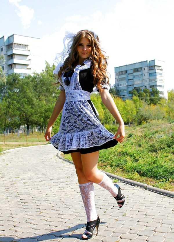 Russian Girls in School Uniforms KLYKERCOM