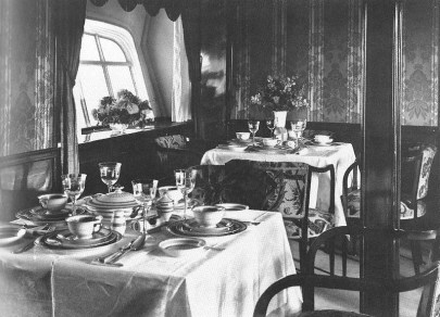 Dining room on the LZ 127 Graf Zeppelin.