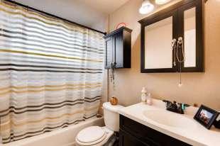 1 Pearl St Unit 301 Denver CO-small-016-14-Master Bathroom-666x445-72dpi