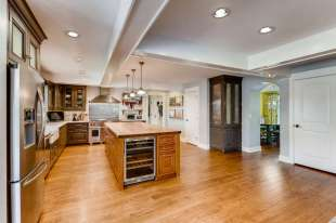 6056 E Geddes Circle-small-009-6-Kitchen-666x444-72dpi