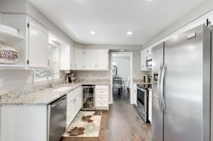 9913 E Pinewood Avenue-013-019-12-MLS_Size