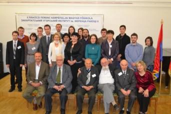 A ,,Velünk élő tudomány'' című nemzetközi tudományos konferencia résztvevői