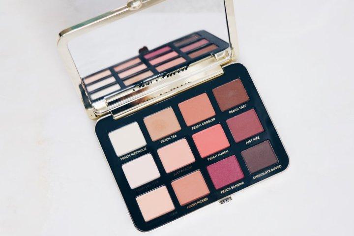Too Faced -Just Peachy Velvet matte Eyeshadow Palette