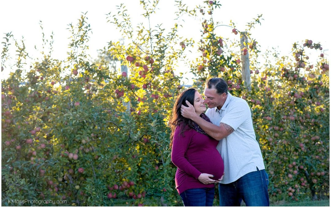 Grim's Orchard Maternity Session | Tiffany & Scott