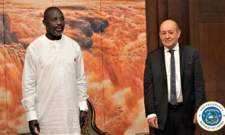 President Weah Holds Bilateral Talk with French Foreign Minister in Ghana