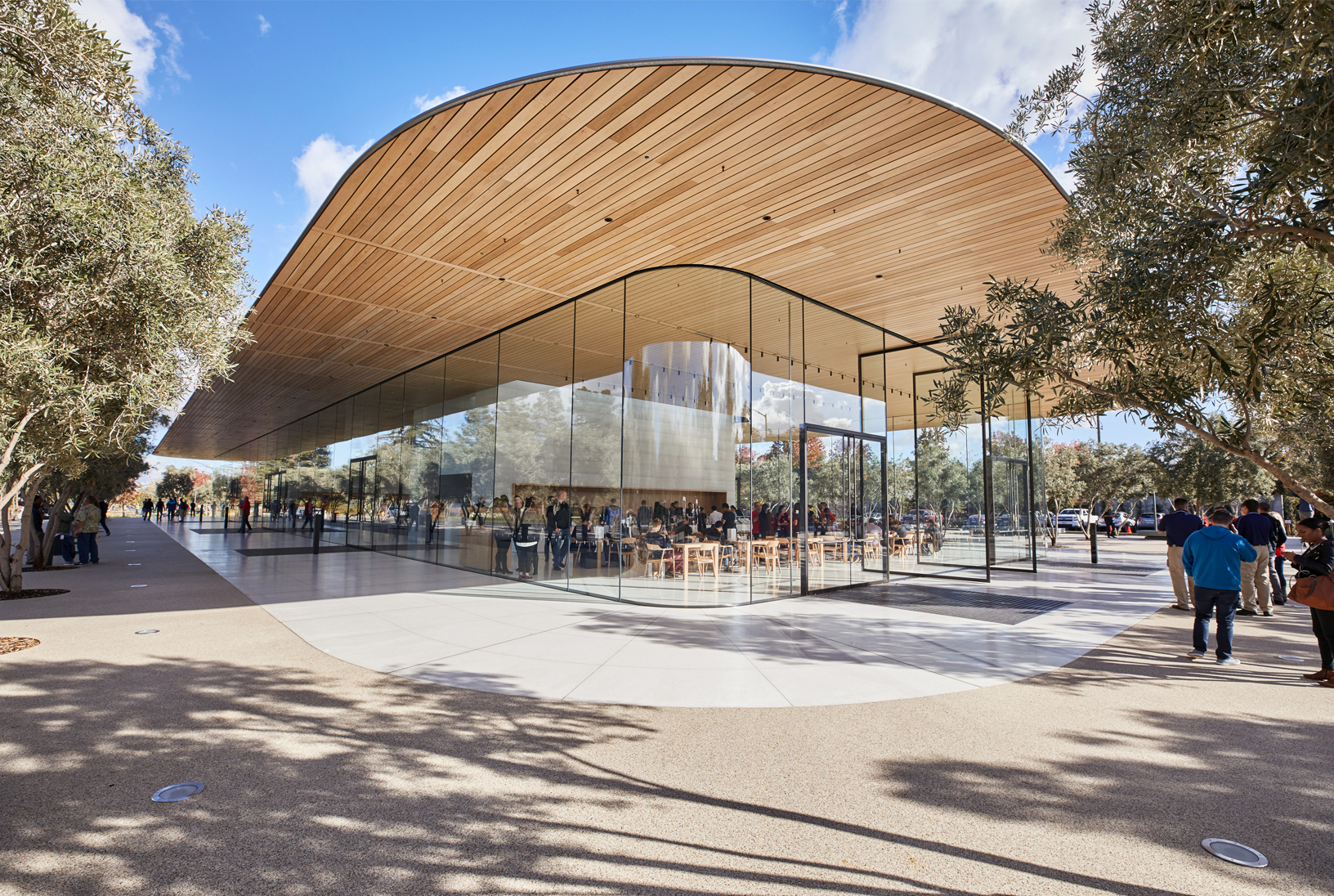 Apple Park Visitor Center 개관