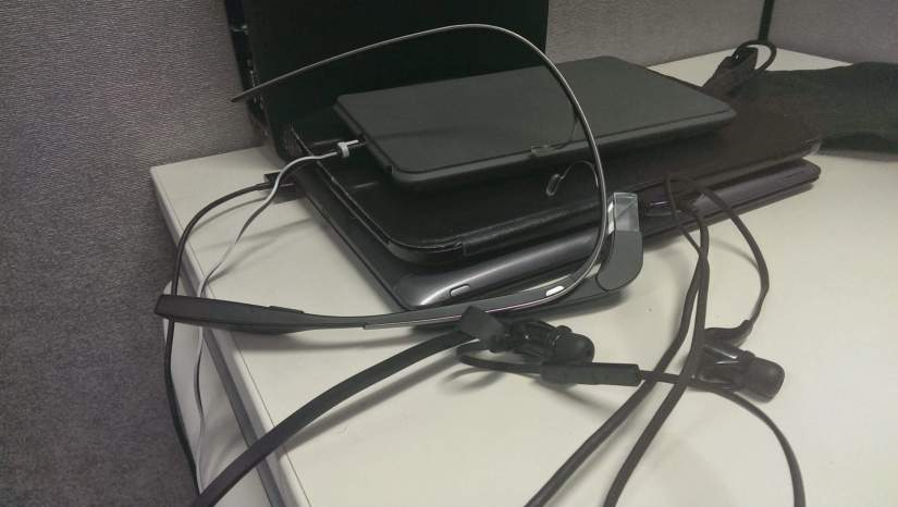 It seems to require a small power station to charge all of my devices. 1 x Nexus 7 1 x Nexus 10 1 x ASUS Transformer Infitity 1 x Bluetooth Headset 1 x Google Glass 1 x Sony Smartwatch (cord too short to get in the photo) 1 x HTC One (Used to take the photo so not pictured)