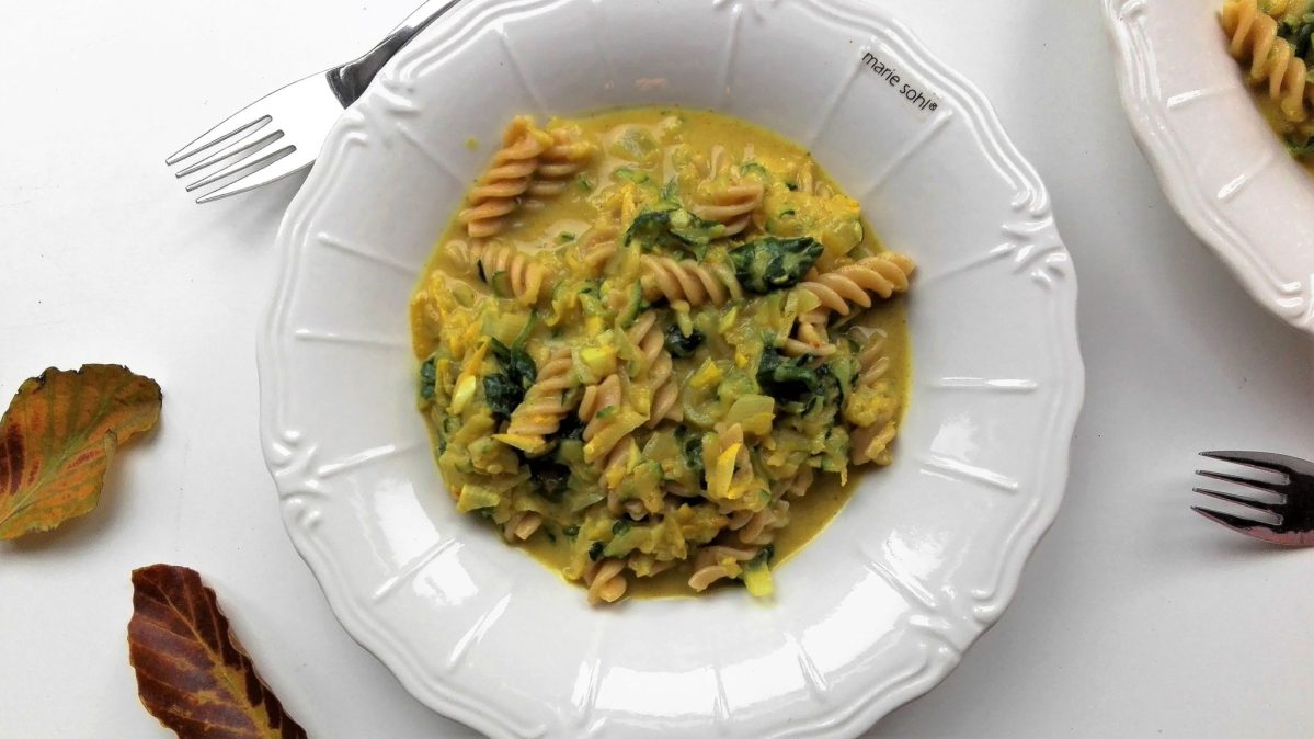Til pasta-elskere og tømmermændsramte: Cremet pasta med squash, spinat og kokosmælk