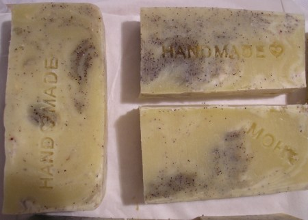 Scent of Winter Soap with poppy-peeling