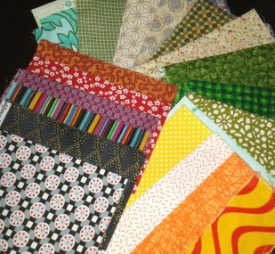 Esther sent a lot of fabric scraps to enlarge my stash :-)