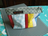 Small QAYG-pouch for my aunt