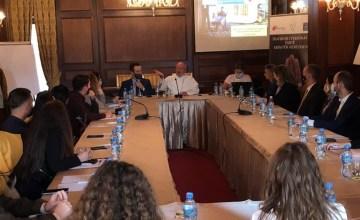 """Tryezë e rrumbullakët """"Sfida e trafikimit në Shqipëri dhe angazhimi i besimeve fetare"""""""