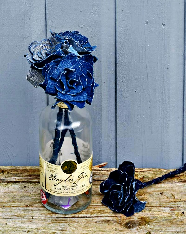 HOW TO MAKE A PRETTY UPCYCLED DENIM FLOWERS BOUQUET