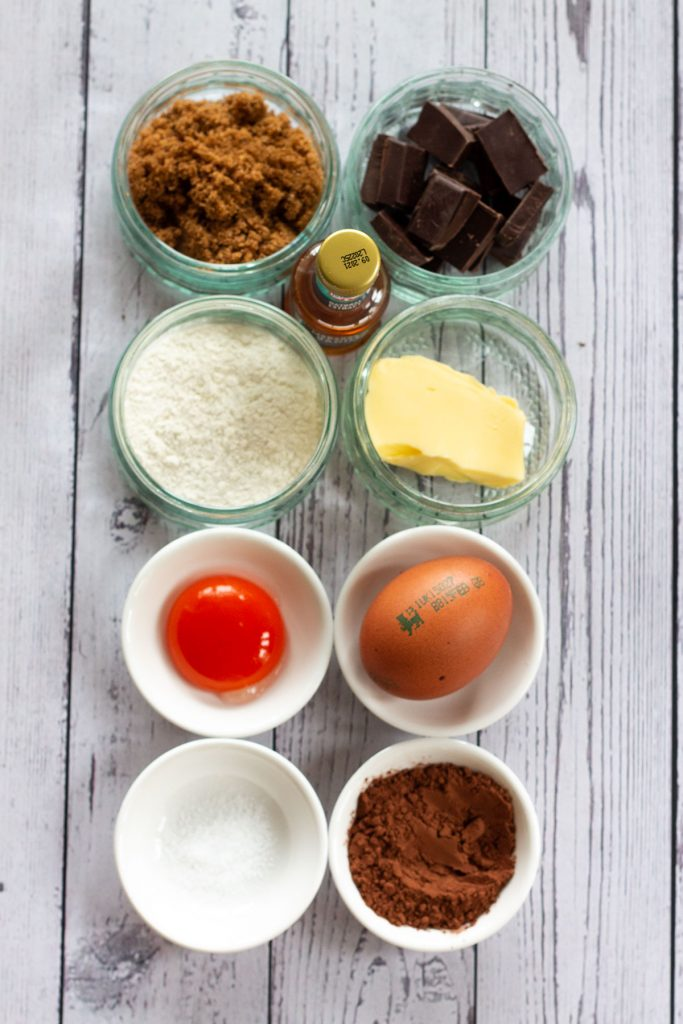 easy chocolate lava cake  ingredients