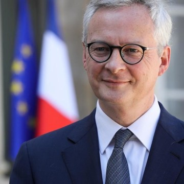 French Finance Minister Le Maire balks at signing €5 billion Renault bailout loan