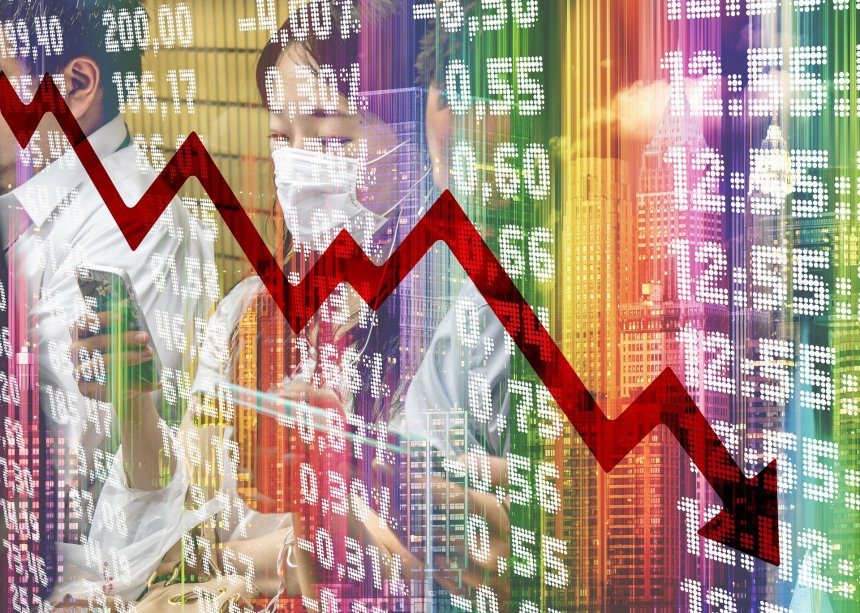 FTSE 100's losses lengthen as US indices look set to retreat