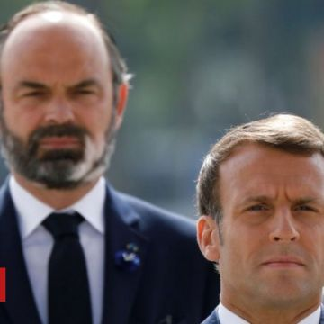 French PM Edouard Philippe resigns as Macron plans new team