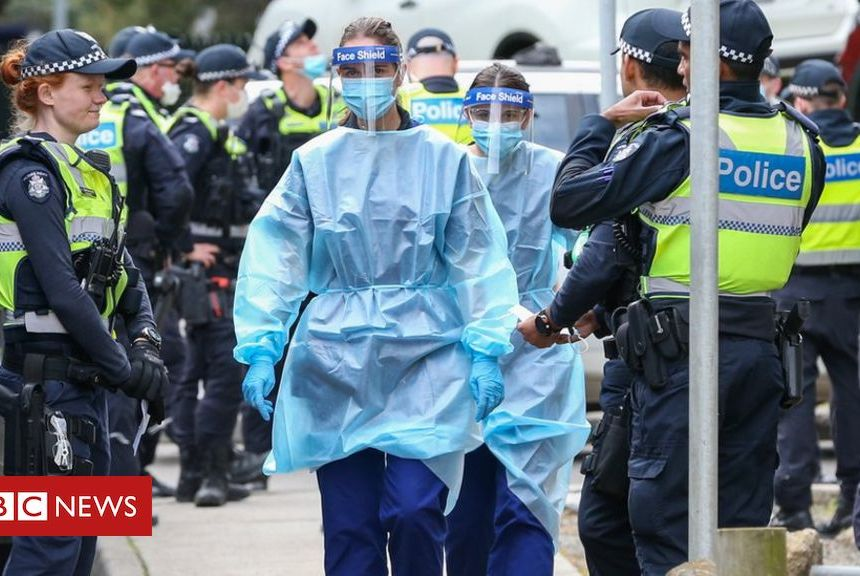 Coronavirus: Australia to close Victoria-New South Wales border