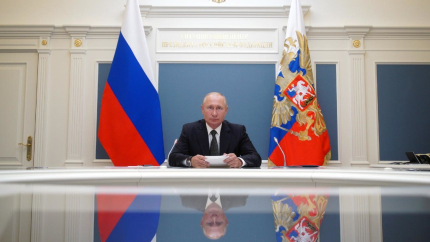 Russians set to back reforms allowing Putin to stay in power