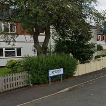 Police hunt suspect after mum stabbed in front of son, 5