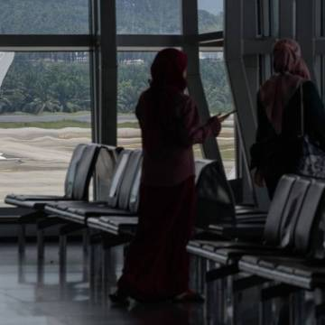Malaysia Airlines parent company says group is running out of cash