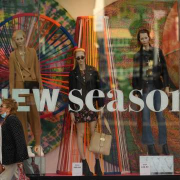 UK inflation rises on back of increase in clothing prices