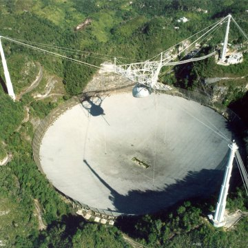 Giant Arecibo radio telescope collapses in Puerto Rico