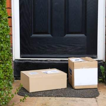 UK online shopping boom fuels cardboard shortage as households hoard boxes