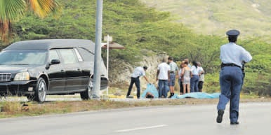 Nabestaanden worden geconfronteerd met het tragische gevolg van het ongeluk.
